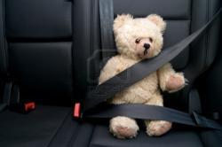 bouclee-avec-ceinture-de-securite-en-voiture.jpg